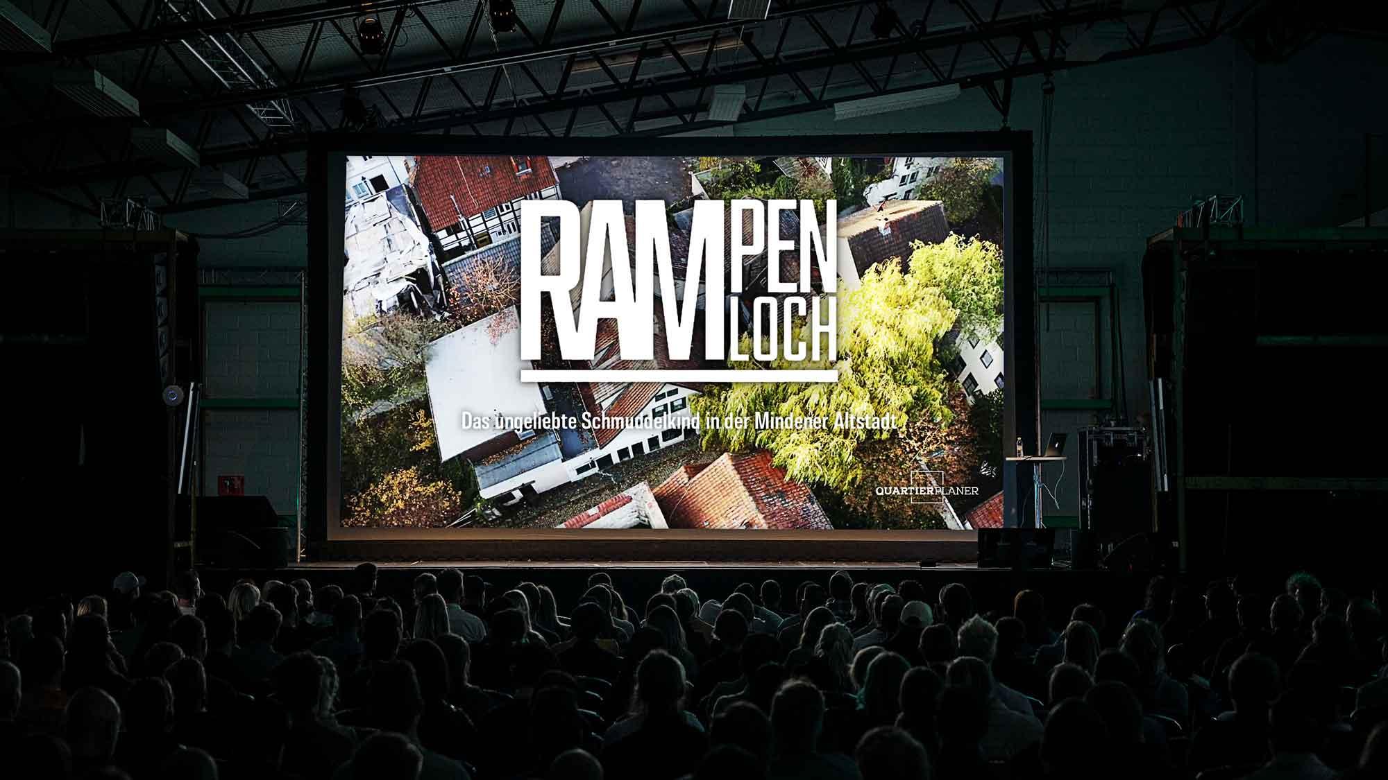 Live auf der Bühne vor Publikum: Der neue Vortrag der Quartierplaner